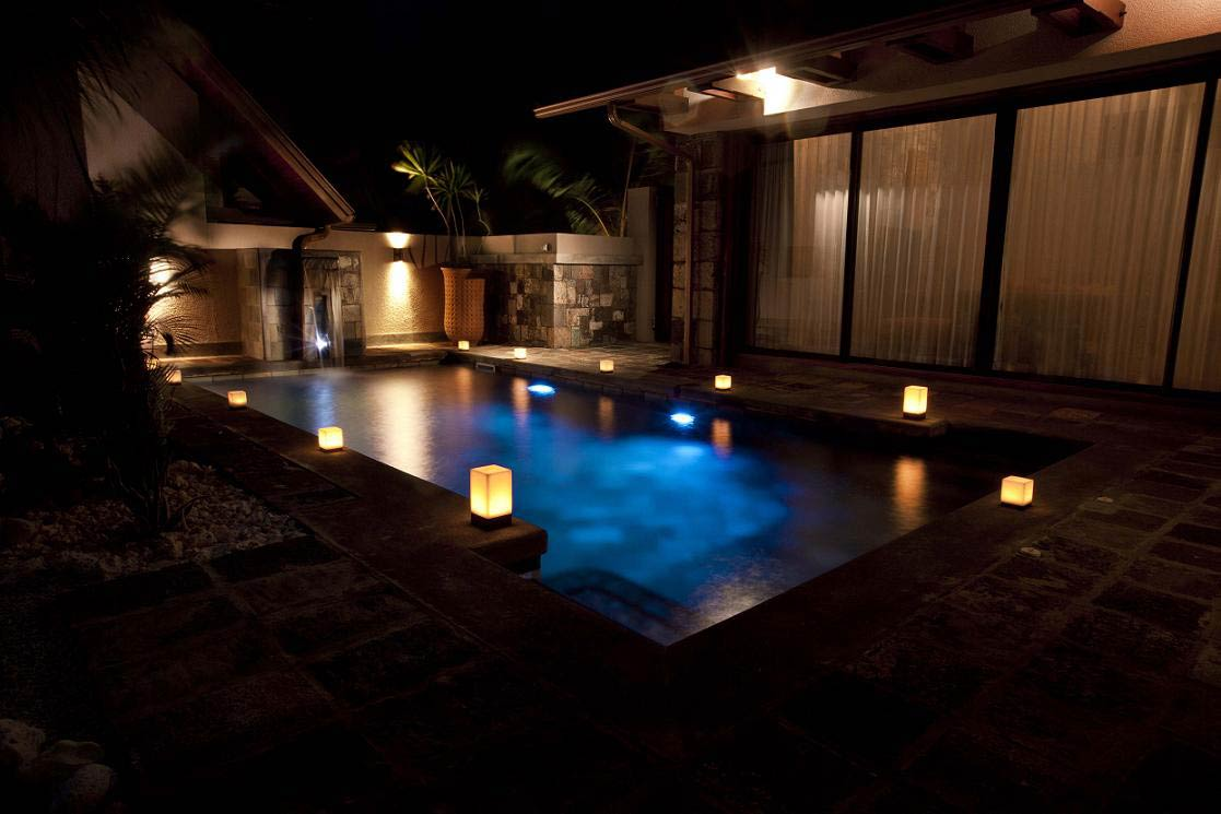 villa-de-luxe-ile-maurice-location-villa-ile-maurice-villa-rental-mauritius-villa-tiara-villa-pool-at-night