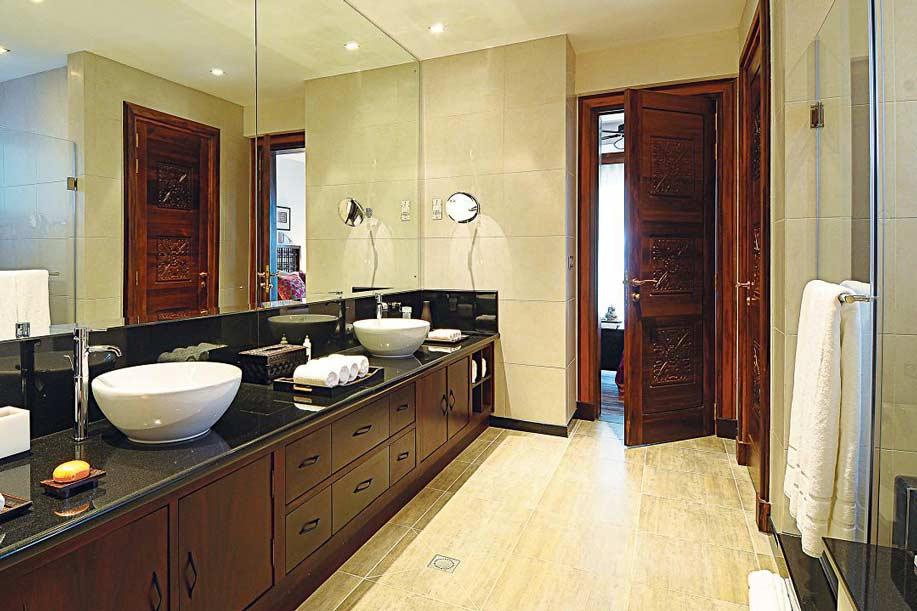 villa-de-luxe-ile-maurice-location-villa-ile-maurice-villa-rental-mauritius-villa-tiara-villa-bathroom-3