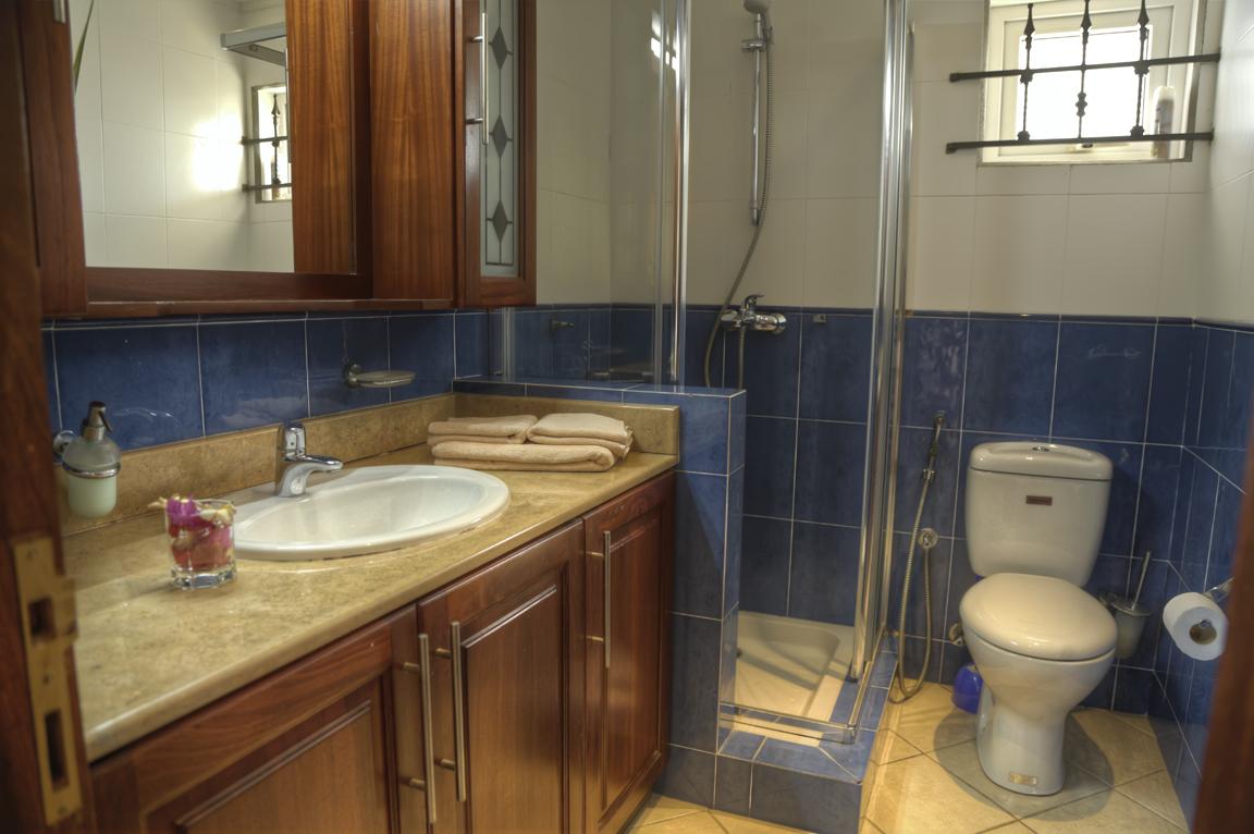 Bathroom 2 HDR
