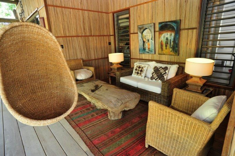 villa-de-luxe-ile-maurice-location-villa-ile-maurice-villa-rental-mauritius-villa-sable-et-mer-piscine-pavillon-salon