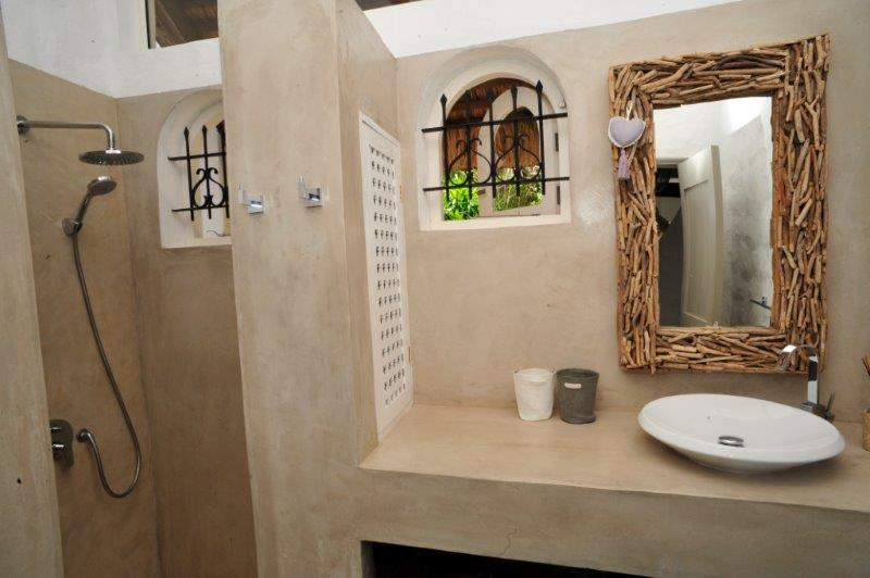 villa-de-luxe-ile-maurice-location-villa-ile-maurice-villa-rental-mauritius-villa-sable-et-mer-douche-et-lavabo