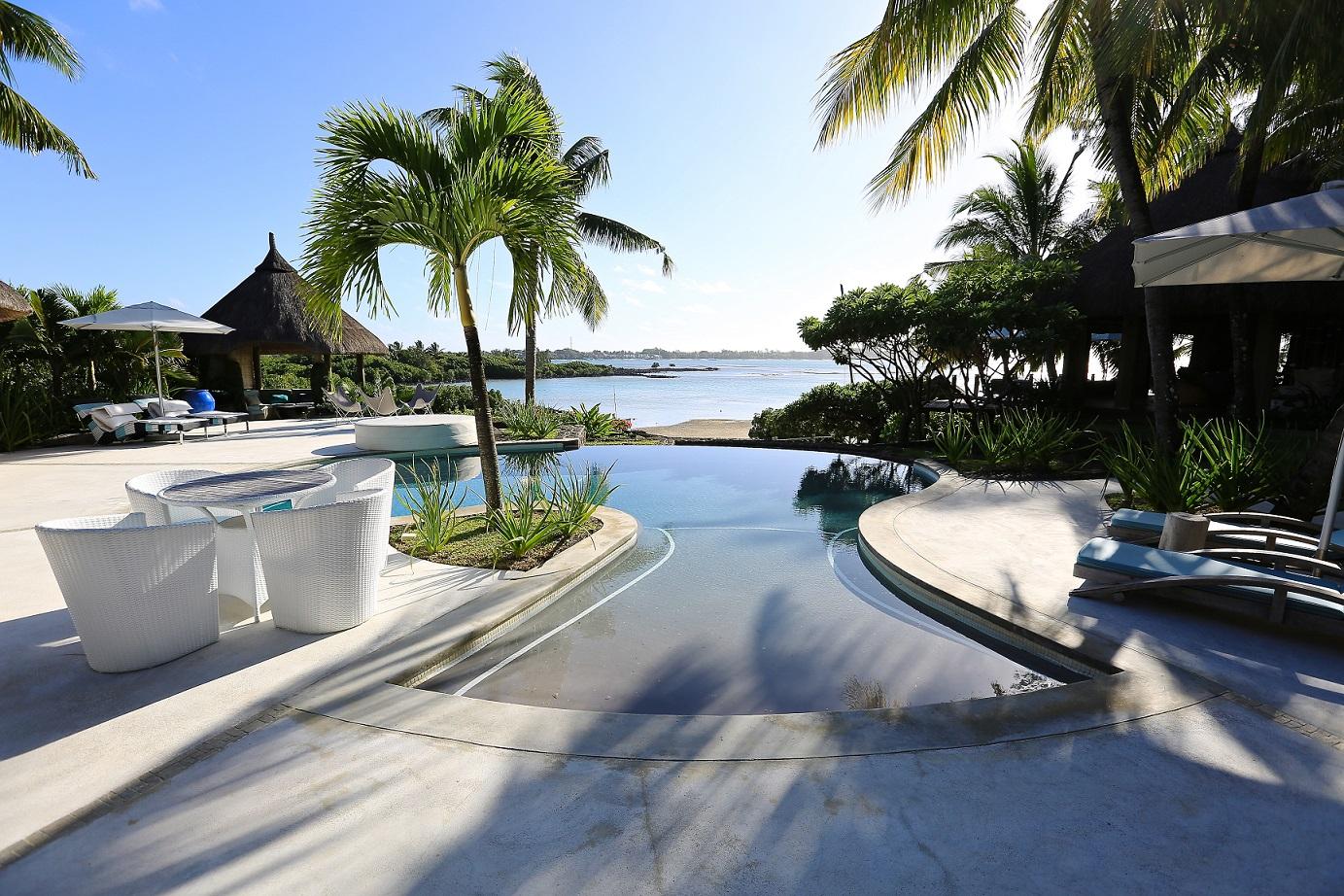 villa-de-luxe-ile-maurice-location-villa-ile-maurice-villa-rental-mauritius-villa-sable-et-mer-pool-piscine