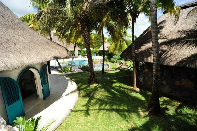 villa-de-luxe-ile-maurice-location-villa-ile-maurice-villa-rental-mauritius-villa-sable-et-mer-piscine-pool-vue-5