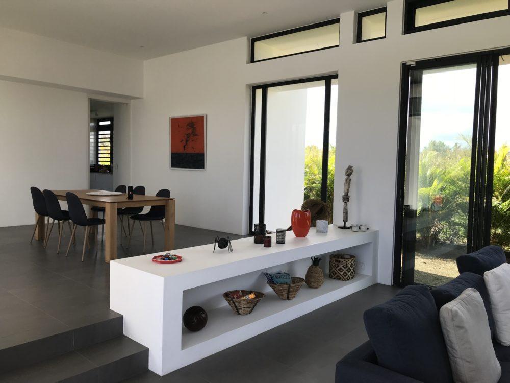 villa-de-luxe-ile-maurice-location-villa-ile-maurice-villa-rental-mauritius-villa-bois-chandelle-dining-and-living