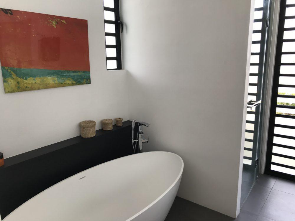 villa-de-luxe-ile-maurice-location-villa-ile-maurice-villa-rental-mauritius-villa-bois-chandelle-master-bathroom